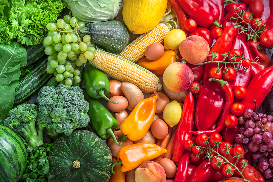 Eat plenty of fresh and colorful fruits and vegetables is a good New Year's resolution for seniors.