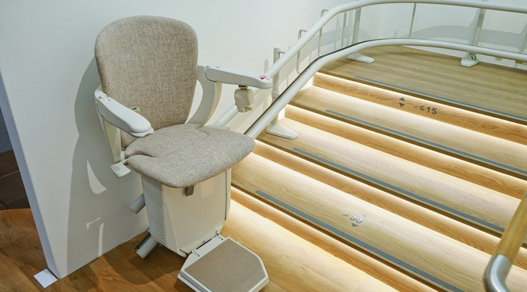 Curved lift chair (stair lift)
